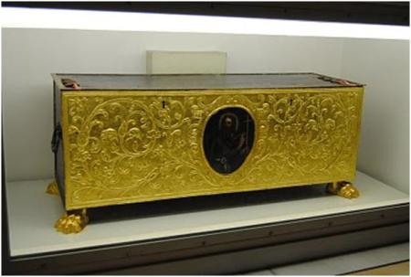 thomas-reliquary-gold-covered.jpg?w=450&h=303